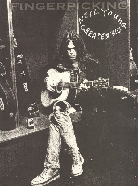 HL00700134 NEIL YOUNG GREATEST HITS FINGERPICKING GUITAR SERIES WITH...